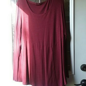 Long sleeve tee in excellent condition